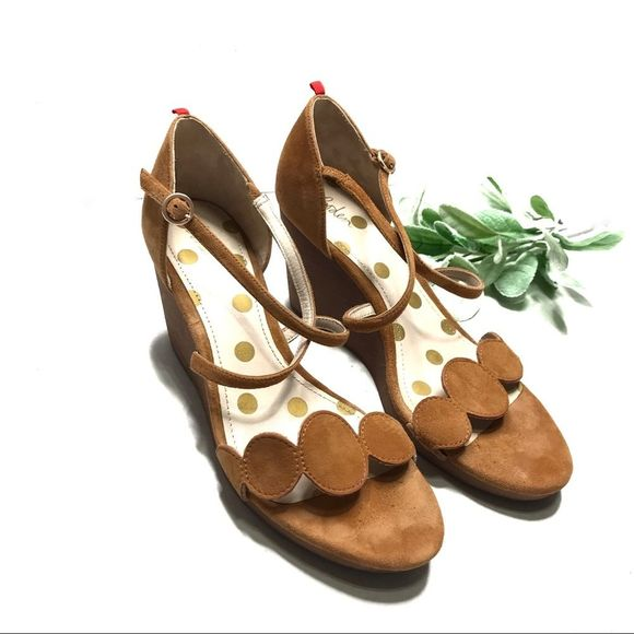 BODEN | sz 42 tan suede Bethany wedges
